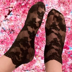 2/$15🎉NWT Sheer Black Floral Scalloped Lace Socks